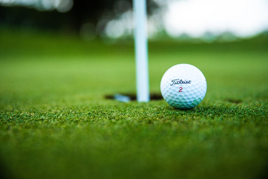 CBD for sports, especially CBD for Golf, has garnered some discussion on the advantages provided by CBD. Are they unfair?