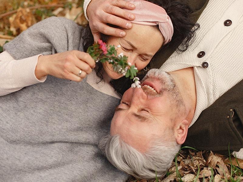 Mistletoe might make people kiss, but hemp oils make people feel better